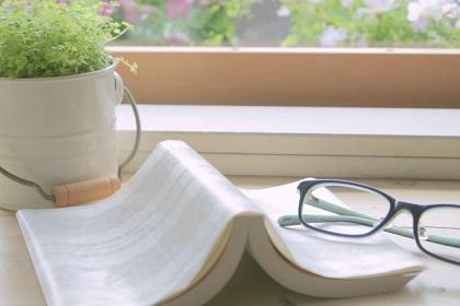 眼の負担を減らす!デスクワーク用のメガネはどう作るべき?